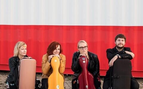 Vioolakvartett koosseisus Liina Žigurs, Karin Sarv, Helen Kedik ja Laur Eensalu.
