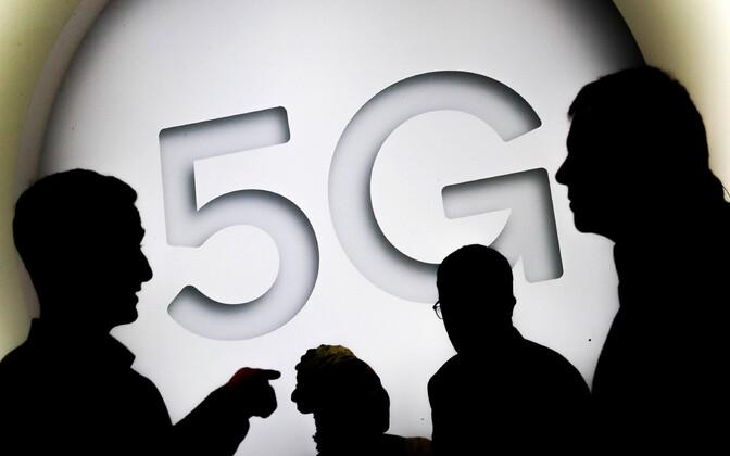 5G (inglise keeles fifth generation) on viienda põlvkonna mobiilsidestandard, mis on mõeldud asendama praegu käigus olevat 4G-standardit.
