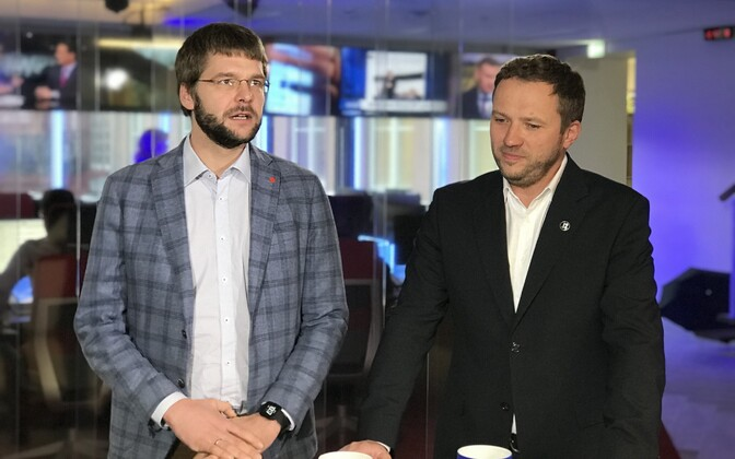 Jevgeni Ossinovski and Margus Tsahkna at the ERR News Building in Tallinn.  24 October 2018.