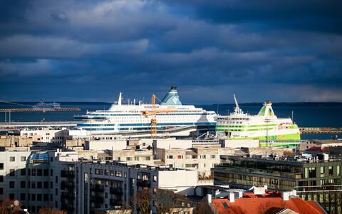 Суда Tallink  в Таллиннском порту.