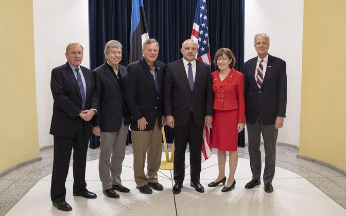 Minister of Defence Jüri Luik (Pro Patria) together with the visiting US senators. 25 October 2018.