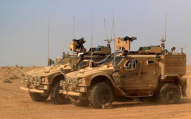 USA toetatud SDF-i masinad Süüria piiri lähistel Deir Ezzori provintsis.