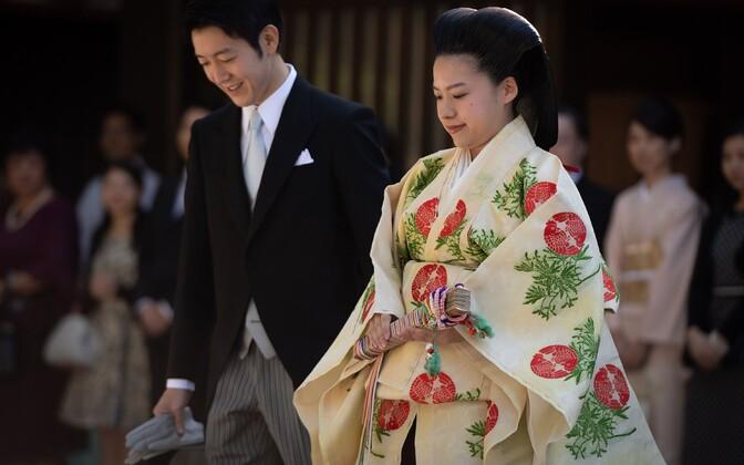Церемония бракосочетания принцессы Аяко и ее избранника Кэя Мориты прошла в храме Мэйдзи.