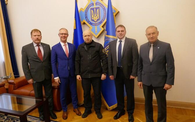 Комиссия по обороне Рийгикогу в Украине.