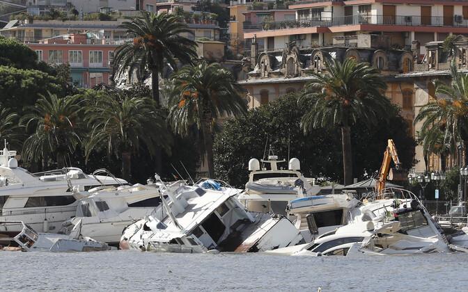 Kaldale uhutud paadid Rapallos.