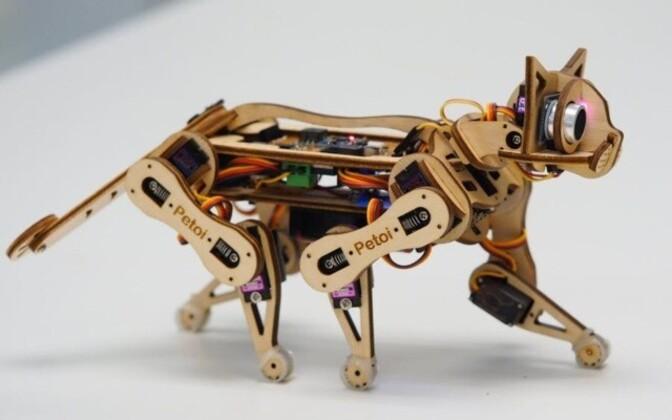 Американская компания Petoi разработала котов-роботов Nybble.