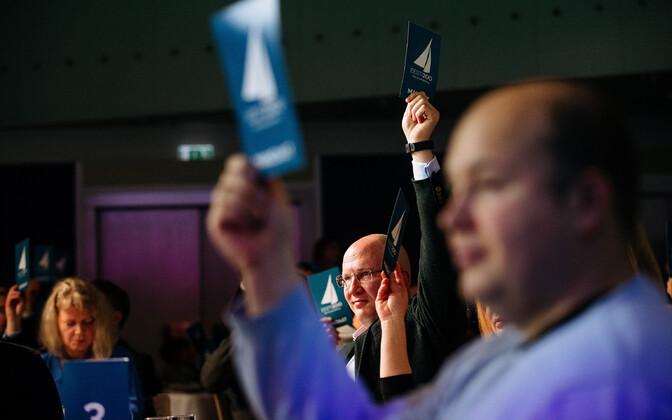 Ka Priit Alamäe tegi Eesti 200-le Hooandjas annetuse.