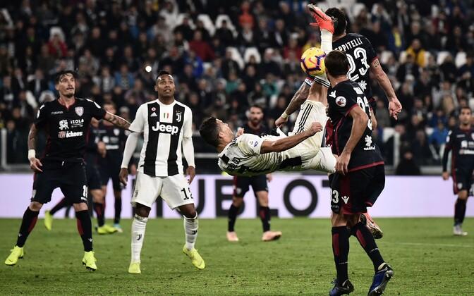 Cristiano Ronaldo üritas Cagliari vastu skoorida ka käärlöögiga