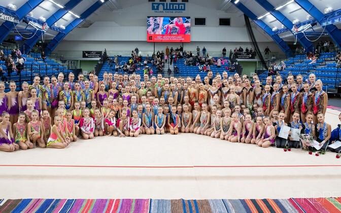 Osalejad Eesti meistrivõistluste iluvõimlemise rühmkavades