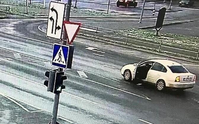 Полиция ищет мужчину, забравшего чужой кошелек