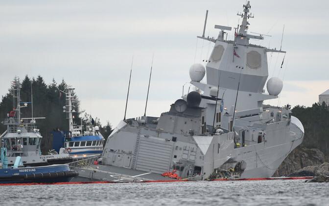 Фрегат столкнулся с танкером в водах Норвегии.