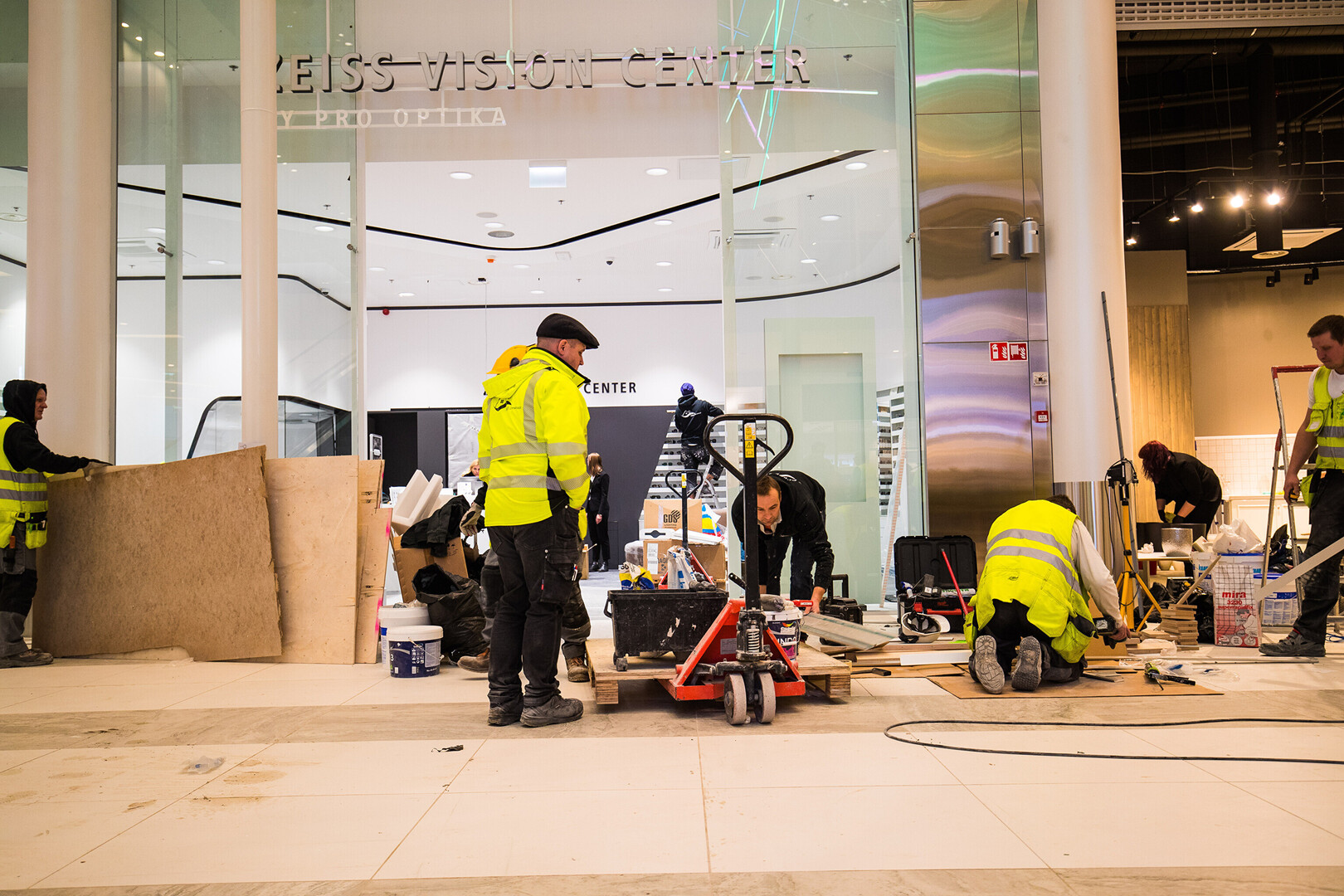 10d31adcace Gallery: New T1 shopping centre opens in Tallinn | Economy | ERR
