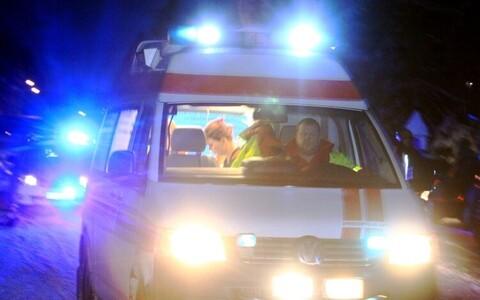 2016. aastal nimetas nutiassistent telefoniomaniku ambulance'ks, selmet kutsuda talle kiirabi (inglise keeles ambulance).