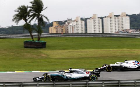 Valtteri Bottas (ees) Brasiilia GP teisel vabatreeningul