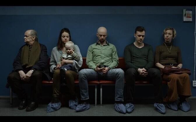 Arstijärjekorras kohtuvad viis võõrast, kes esindavad eri ühiskonnagruppe: mehed, naised, noored, vanad, eestlased ja venelased.