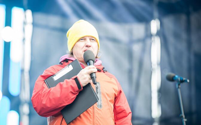 Venno Loosaar Tallinna lauluväljakul esinemas.