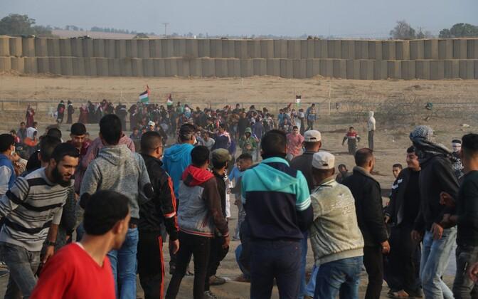 Palestiina mehed Gaza sektori piiril.