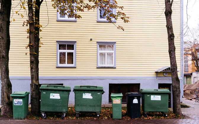 Rubbish bins. Estonia will have to increase the share of recycling in its municipal waste management to 50% by 2020.
