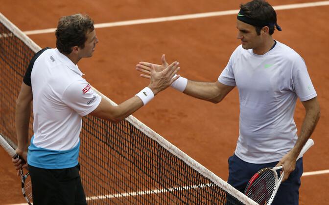Julien Benneteau ja Roger Federer