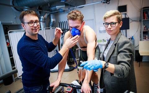 Tallinna Ülikooli teadurid Indrek Rannamaa ja Karmen Reinpõld testisid Eesti jalgrattureid.
