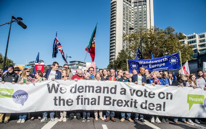 Uut Brexiti-referendumit toetav meeleavaldus oktoobris Londonis.
