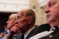 30 aastat suveräänsusdeklaratsioonist konverents, keskel Vaino Väljas