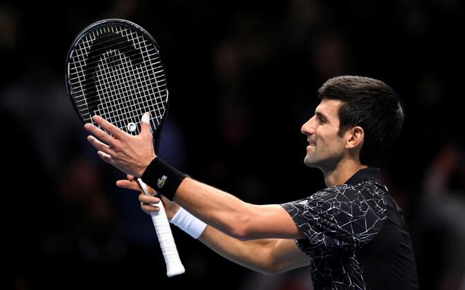 Novak Djokovic sammus poolfinaali settigi kaotamata