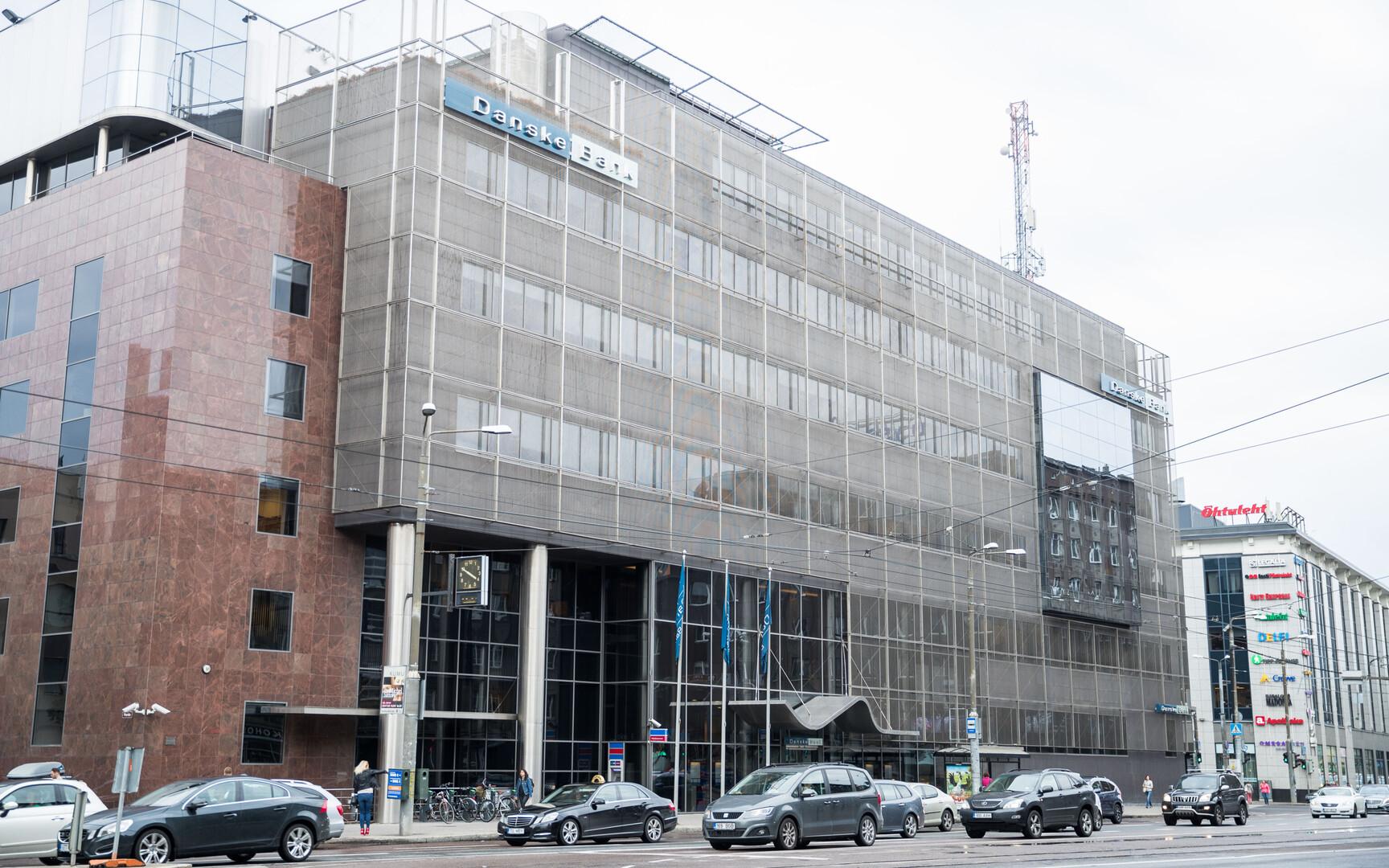 Police arrest 10 in connection with Danske money laundering