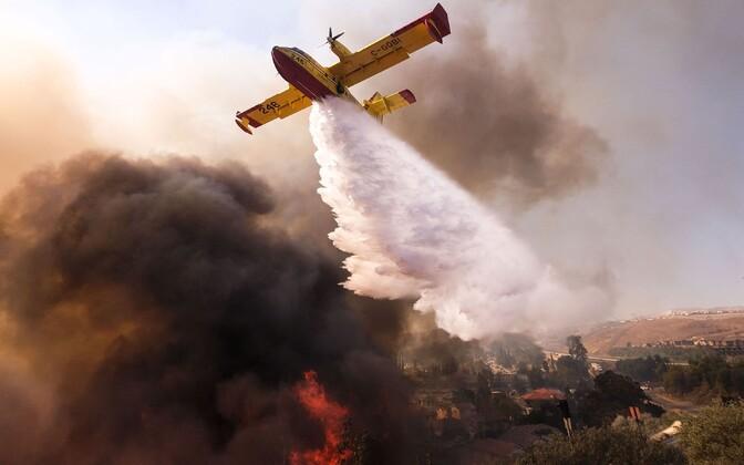 Tulekustutuslennuk Californias 2018. aasta novembris.
