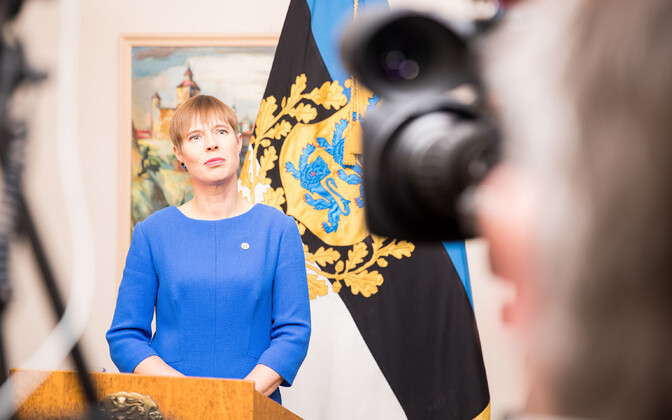 President Kersti Kaljulaid addressed the media following her meetings with the chairs of all three government coalition parties on Monday evening. 19 November 2018.