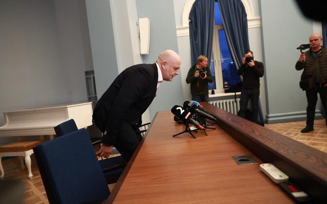 Siseminister Andres Anvelt ametist lahkumisest rääkimas.