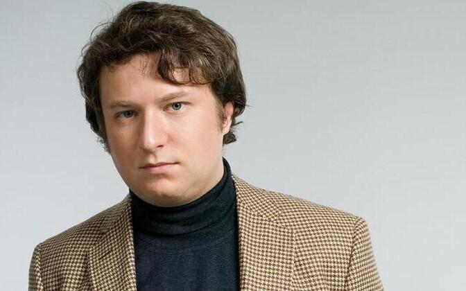 Антон Долин.