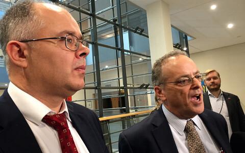 Danske Banki vilepuhuja Howard Wilkinson ja tema advokaat Stephen Kohn.