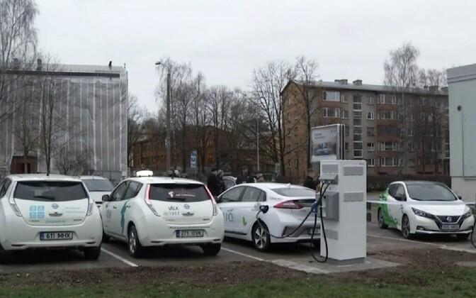 Elektriautode kiirlaadijad.