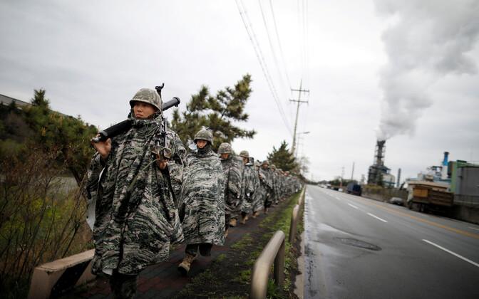 Lõuna-Korea merejalaväelased aprillis ühisõppustel USA-ga.