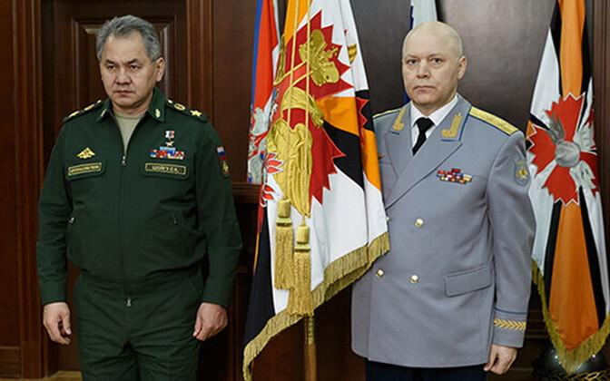 Igor Korobov ametissenimetamisel koos kaitseminister Sergei Šoiguga..