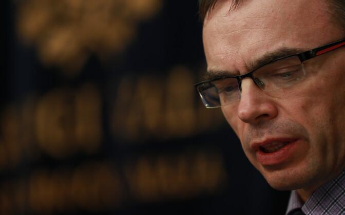 Sven Mikser valitsuse pressikonverentsil.