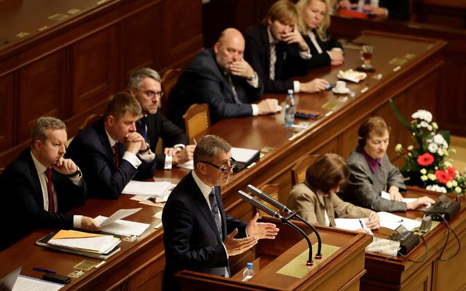 Andrej Babiš parlamendis umbusaldushääletuse eel.