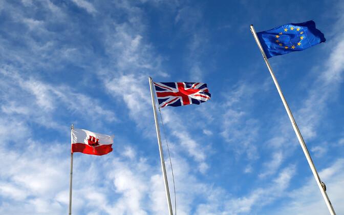Gibraltari, Suurbritannia ja Euroopa Liidu lipp.