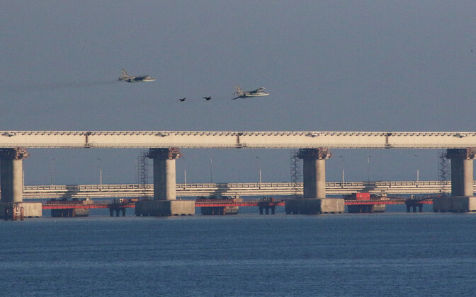 Russian fighter jets over the Crimean Bridge, 25 November 2018.