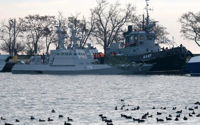 Venemaa poolt hõivatud Ukraina sõjalaevad Berdjansk ja Nikopol ning puksiir Janõ Kapu Kertši sadamas.