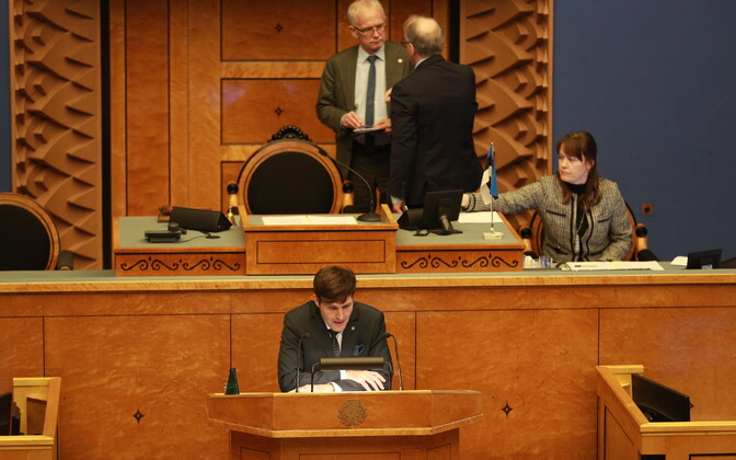 Martin Helme (foreground) at an earlier Riigikogu sitting.
