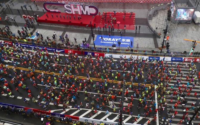 Hiinas on jooksuvõistluste arv tohutult kasvanud ja seetõttu on ka üha rohkem sohitegijaid. Fotol Shanghai maraton.