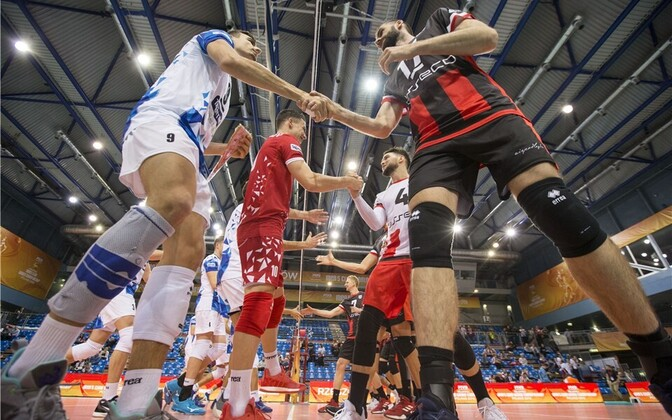 Rzeszowi Asseco Resovia tunnistas võrkpalli klubide MM-il Trentino Volley paremust