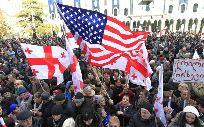 Протестующие на улицах Тбилиси