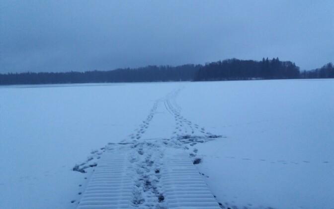 Лед на озере Пюхаярве.