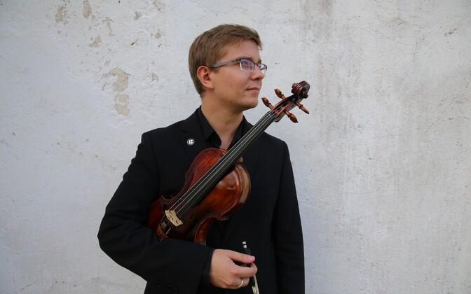 Viiuldaja Robert Traksmann.