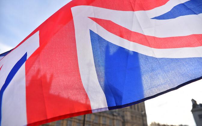 Suurbritannia lipp Londonis parlamendihoone juures.