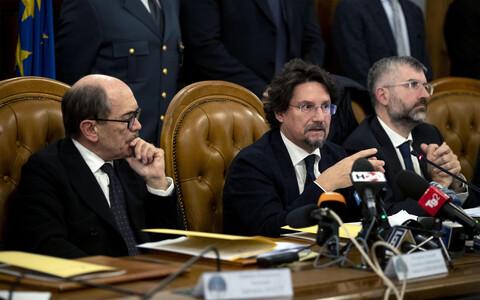 Пресс-конференция представителей прокуратуры и полиции Италии.