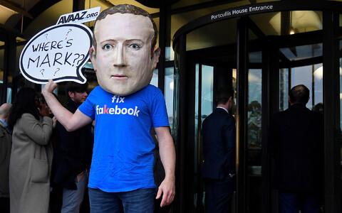 Kuna Mark Zuckerberg ise parlamendi ette ilmuda ei tahtnud, pidi otsima komitee huvitava info hankimiseks teisi võimalusi.